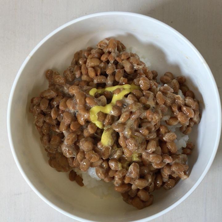 もしも、納豆ご飯をおいしく食べるには納豆を16個完食しないといけないというルールを作ったら?納豆は糖質少なめだからね。