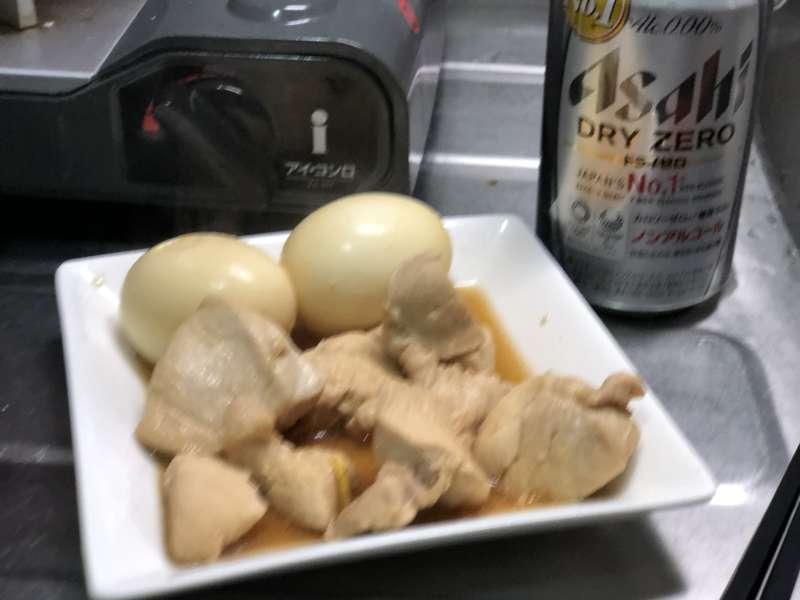 鶏と玉子の塩麹煮とビール