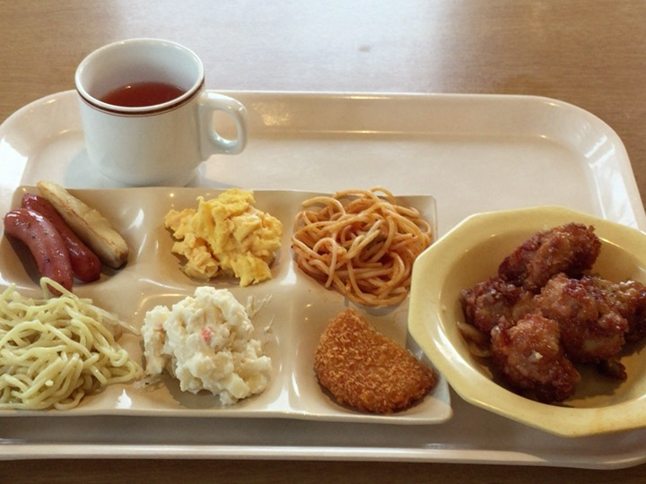 ココスの朝食バイキングでどれだけ食べられるか検証してみた。