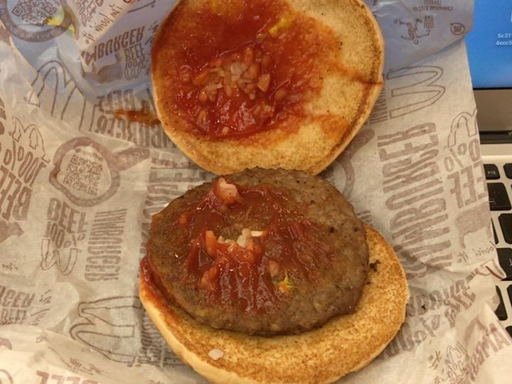 分解されたハンバーガー